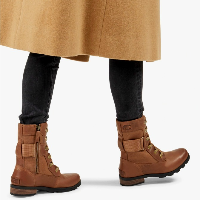 Who says it's sweater weather? It's boot weather around here! Get these best combat boots for women to be a part of this weather while it's upon us!